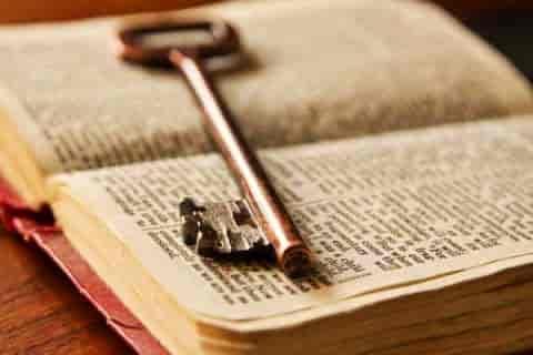求大神介绍一些主角无限穿越到各种位面世界的小说
