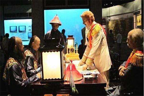 潜伏在康熙皇帝身边的特工 一手断送了中国50万平方公里国土