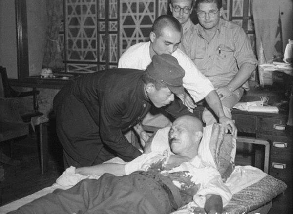 二战最烂的枪法:为何东条英机对心脏开枪却没死?原因很喷饭