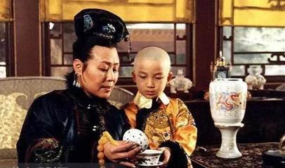 此女13岁成亲,14岁生孩24岁去世,丈夫是皇帝,儿子更是千古一帝